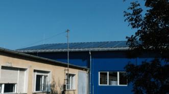 A gyártás energiaszükségletét részben napenergia segítségével biztosítjuk